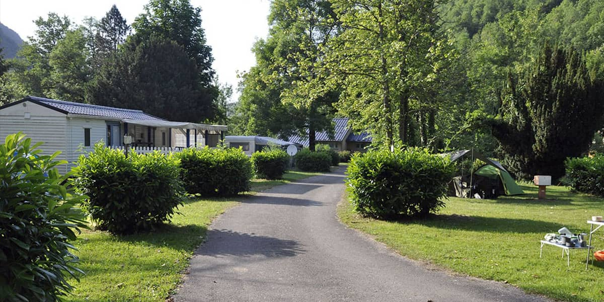 camping-couledous-hebergement-galerie-emplacement-1-min