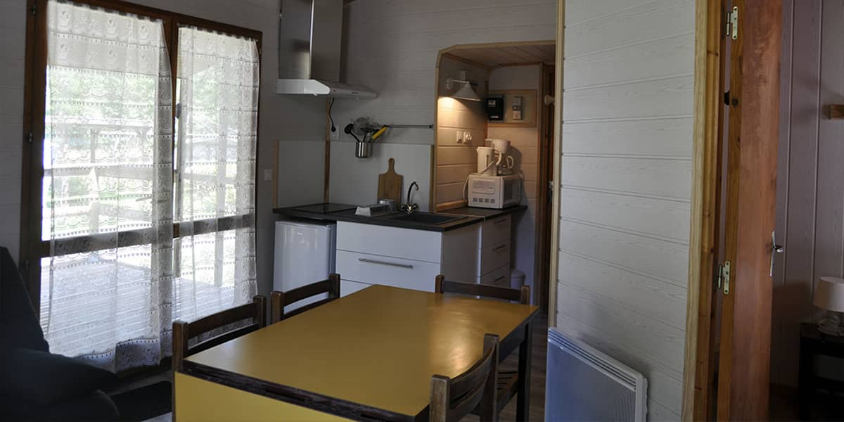 camping-couledous-hebergement-galerie-chalet-4-6-8-min